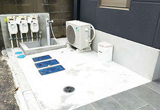 足洗い場・排泄物用ゴミ箱
