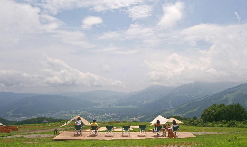 夏は愛犬と絶景の白馬岩岳へ 犬目線で楽しむ「白馬岩岳マウンテンリゾート」訪問記
