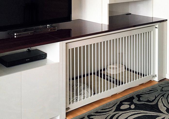 リフォームで愛犬のための居場所をテレビーボードの下に造作した例