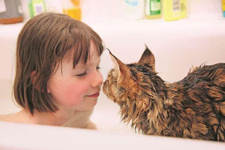 お風呂が大嫌いだったのにトゥーラと一緒なら平気になった
