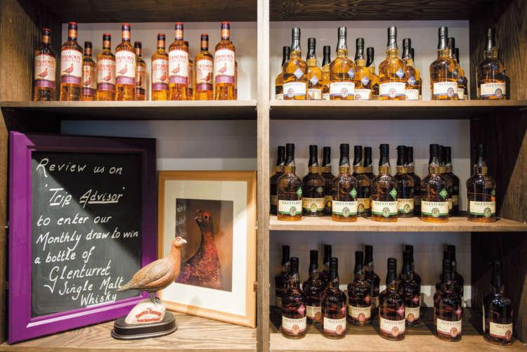 この蒸留所は日本でも愛飲家の多い、フェイマスグラウスというウイスキーで有名です