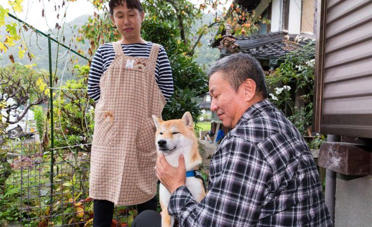 犬は相手の立場に立って共感することができるかも?