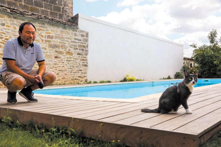 ワイナリー敷地内のプール。K6はプールで泳いでいたこともあるのだとか