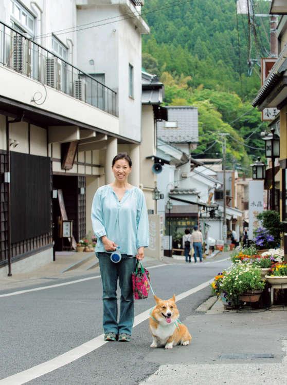 三門前から一直線に伸びた道沿いにある田中屋から、身延山久遠寺までのいつもの散歩コースに出発進行!