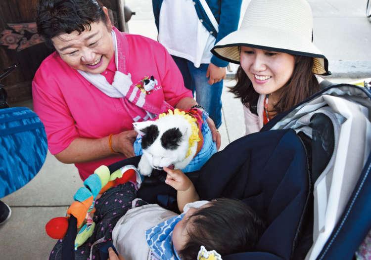 地元のお寺でのイベントにて。セラピー動物についてはもちろん、避妊去勢手術の大切さ、災害や事故に備えて首輪の必要性などの啓蒙活動をしている