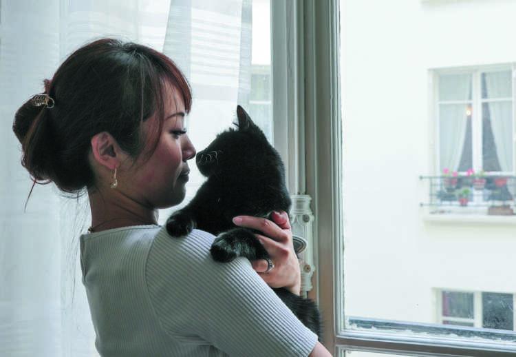 パリの賃貸は、基本的にすべてペットOK。猫とも気兼ねなく暮らせます