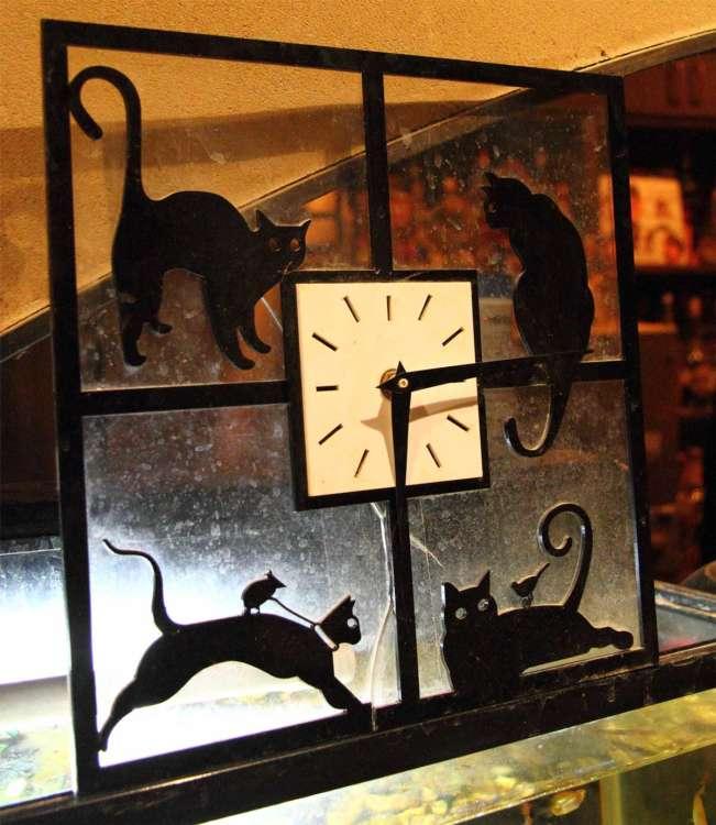店内の猫モチーフの雑貨たちが可愛い