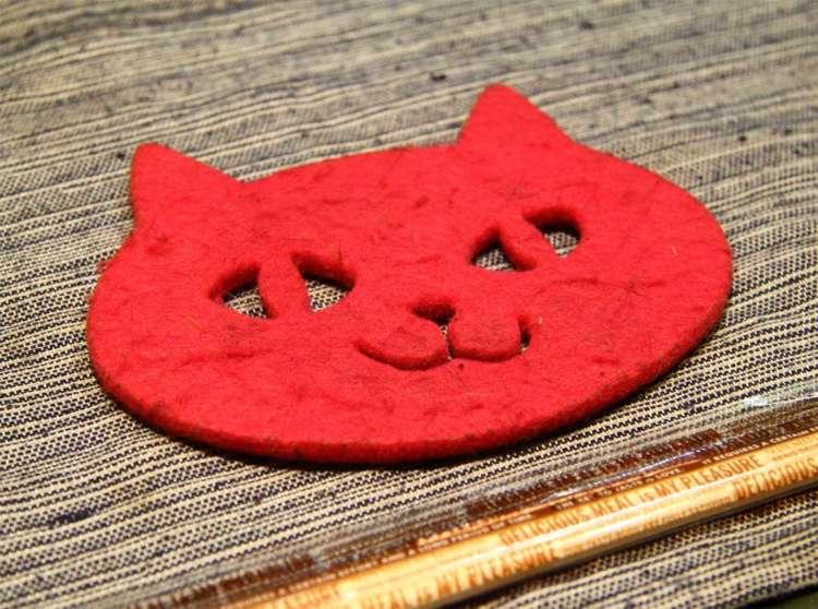 グラスを置くたびに楽しくなる猫コースター