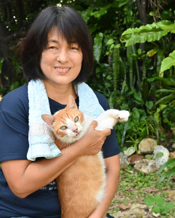 幼い頃から猫と暮らしてきた正子さんとミーちゃん