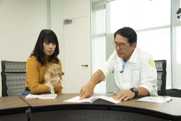 太田先生が診断結果を見せながら説明