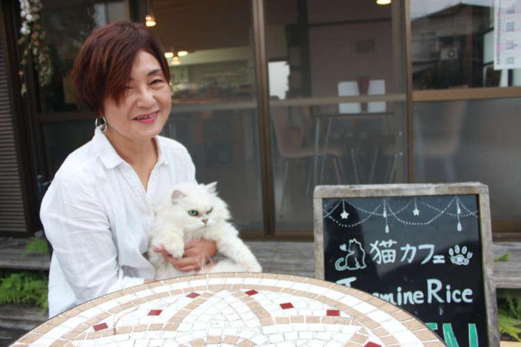 「猫好きの方は大歓迎」と、店主の三城さん